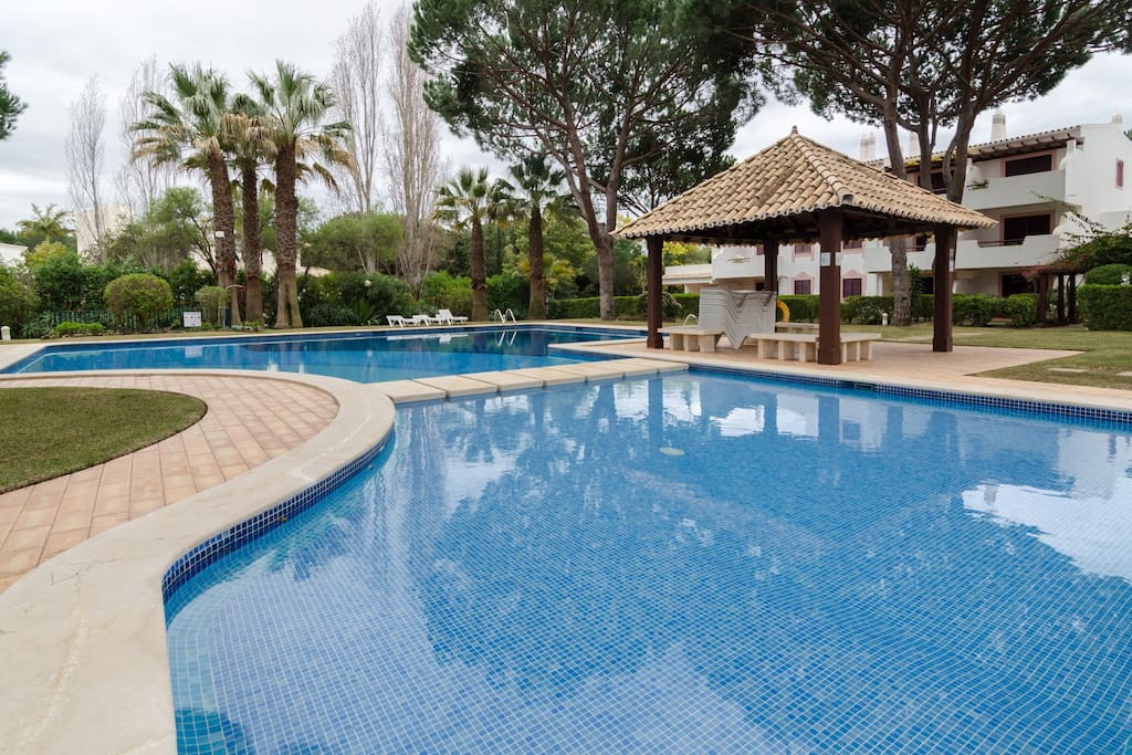 4 amazing outdoor swimming pools (2 for children and 2 for adults)