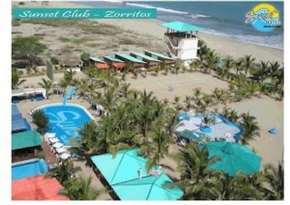 Sunset Club - Luxurious Beach-Front