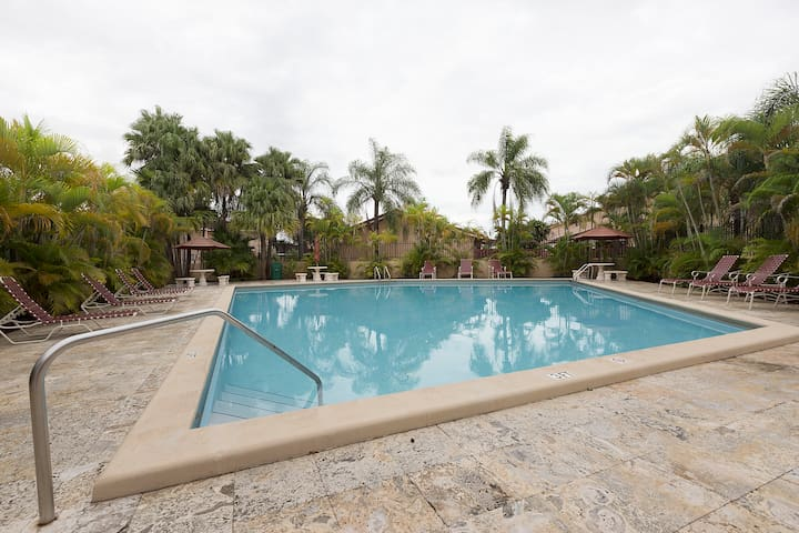 Private Room,,Pool,Parking,Bathroom,Wifi 2 - Miami - Sorház
