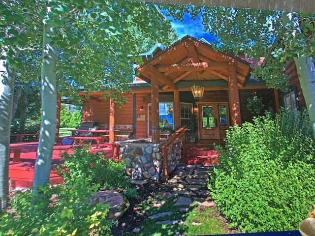 Romantic Getaway Cabin close to Park City - Midway - Mökki