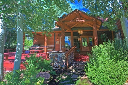 Romantic Getaway Cabin close to Park City - Midway - Kulübe