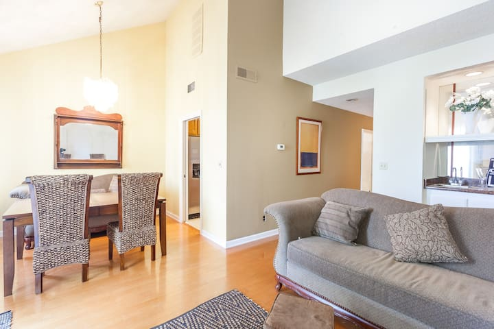 Luxury Condo Pasadena Center 2BR