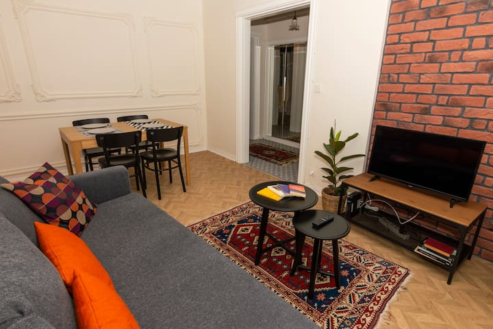 Very Central & Stylish Apt with Garden in Kadikoy
