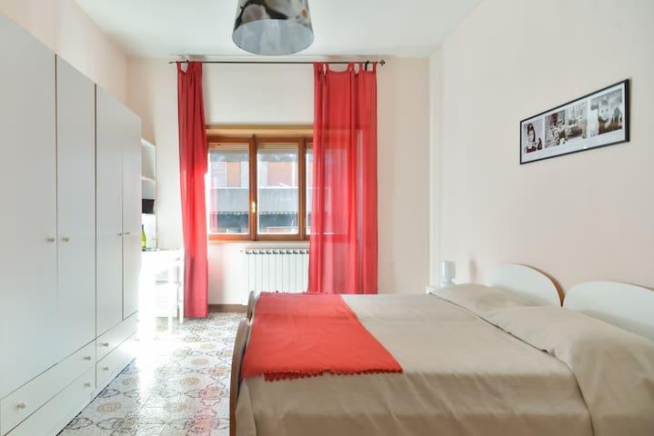 Ospitale stanza stazione Tiburtina - Roma - House