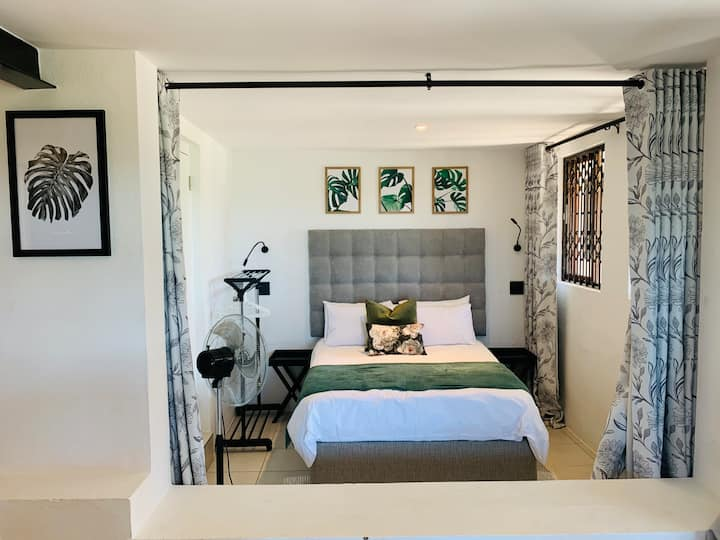 Luxury Self-catering  Apartment