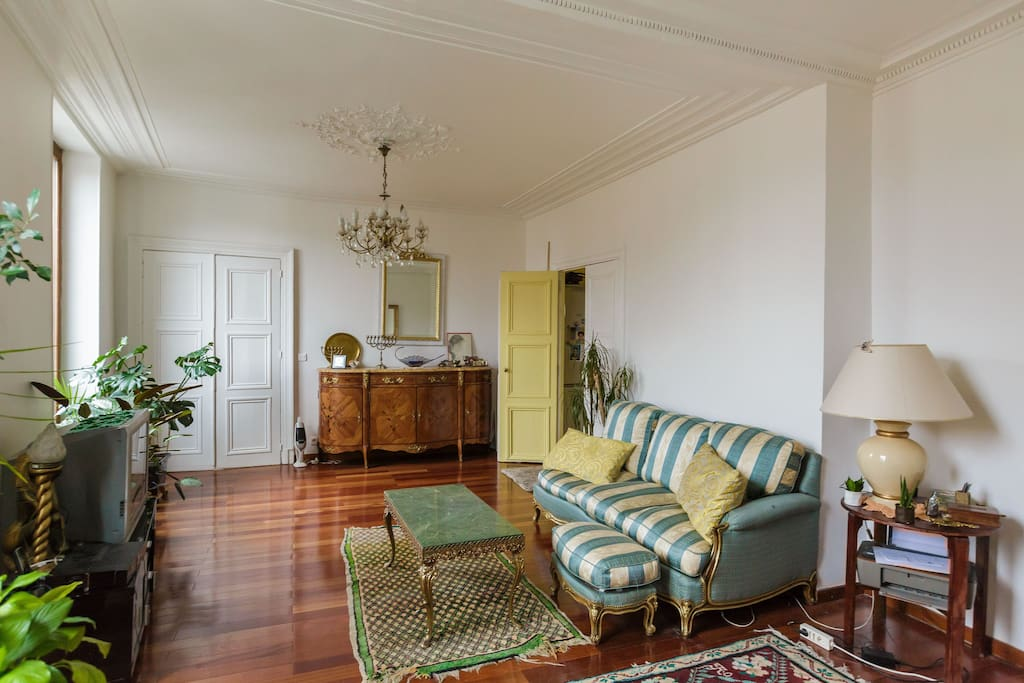 Big cosy room in republique pernottamento e colazione in for Colazione parigi