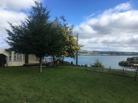 Cabaña  con vista al mar, en hermosa  Isla Lemuy