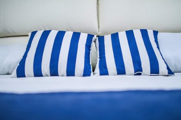 CORALLO BLUE •  unbelievable House near the sea