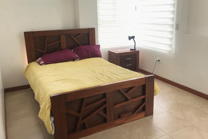 Habitación Privada con baño en Conjunto Tais