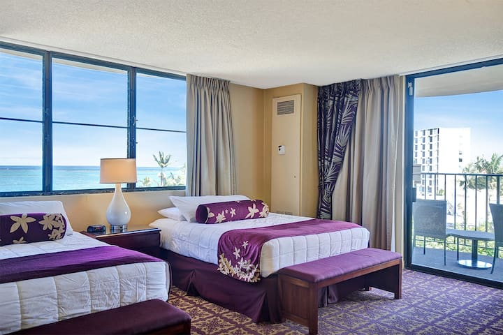 1 Bedroom Corner Suite w/Banyan View - #743