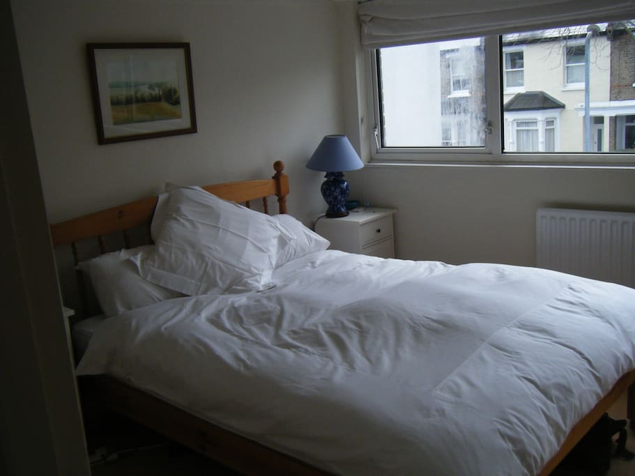 Comfortable room that is available for 1 or 2 guests