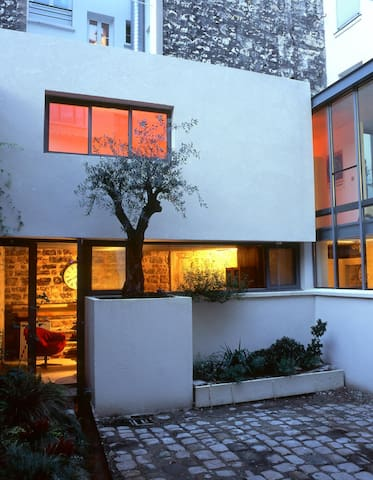Studio 25m² in an architect's house - Paris - House
