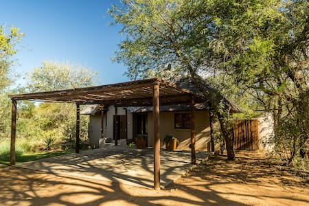 Raptors Lodge Accommodation, 4, 5 and 20 - 荷兹普鲁伊(Hoedspruit)