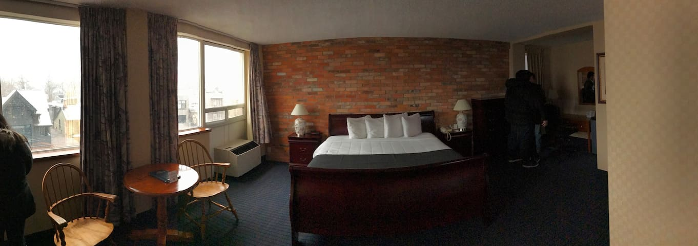 Hotel 89 - 03-Standard King Room