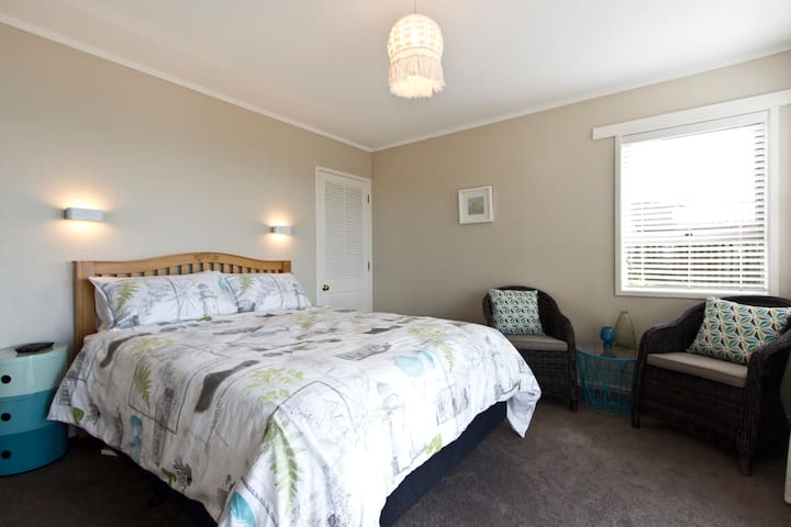 Manly Seascape Retreat for Couples - Whangaparaoa - Flat