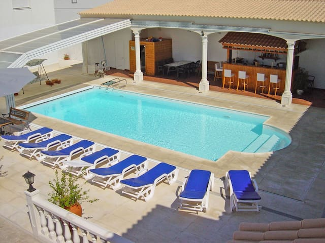 2 Villas, 8/24 people, Pool/Jacuzzi - Arraiolos - House