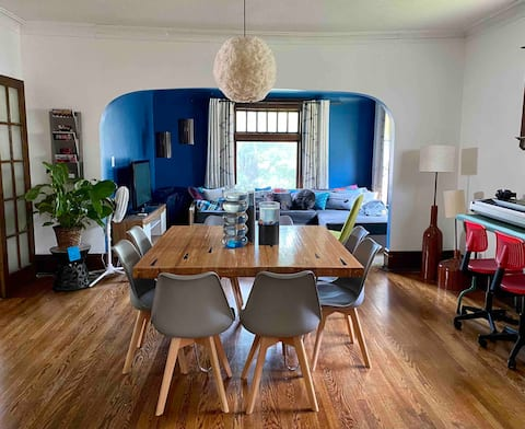 Huge Family House in the Heart of Creston