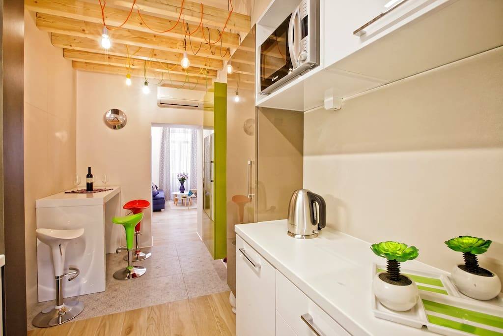 Modern and cozy apartment on the 1st floor of history home on the beach and close to the old town