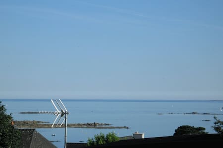 T2 35m² vue imprenable sur la mer 250m de la plage