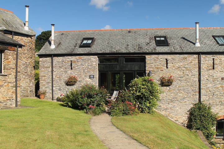 Cote Barn - barn conversion in the South Hams - Frogmore - บ้าน