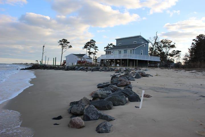 Gwynn's Island on Chesapeake Bay- Sand Beach!