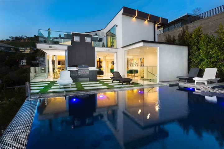Hollywood Hills Estate Roof Decks/ Pool/Theatre
