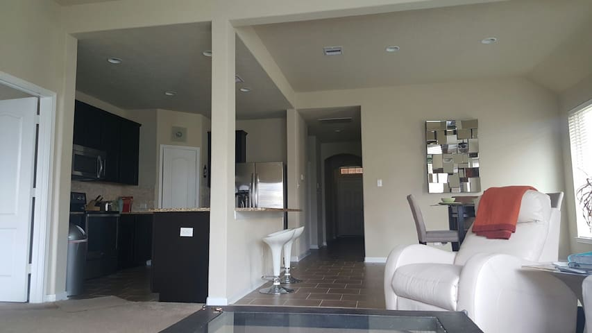 New modern home in Katy area - 凱蒂(Katy) - 獨棟