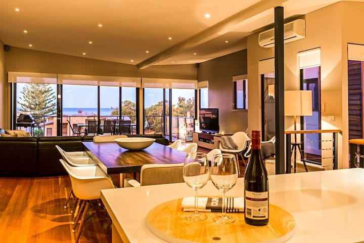 Geographe Bay Ocean View Apartment