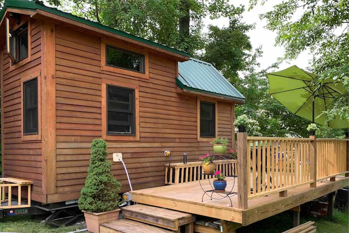 PEQUEÑA CASA DE MADERA Tiny Wood House-Cheat Lake