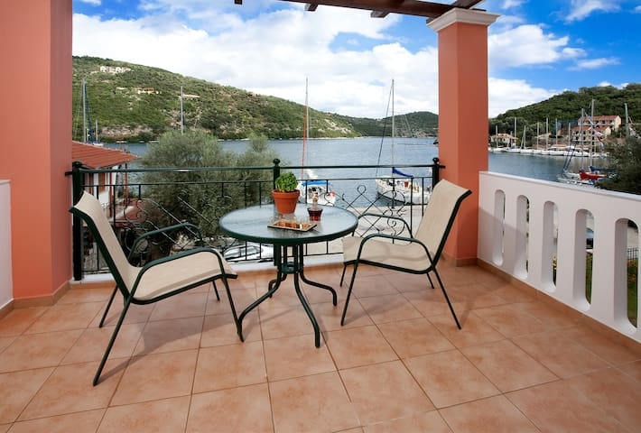 studio with view of ionian sea - Lefkada - Apartment