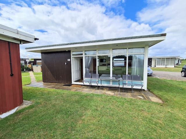 Country Club Holiday Chalet Selsey West Sussex