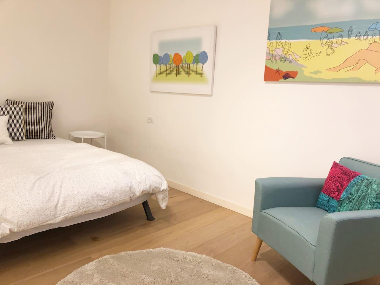 Privet Bedroom