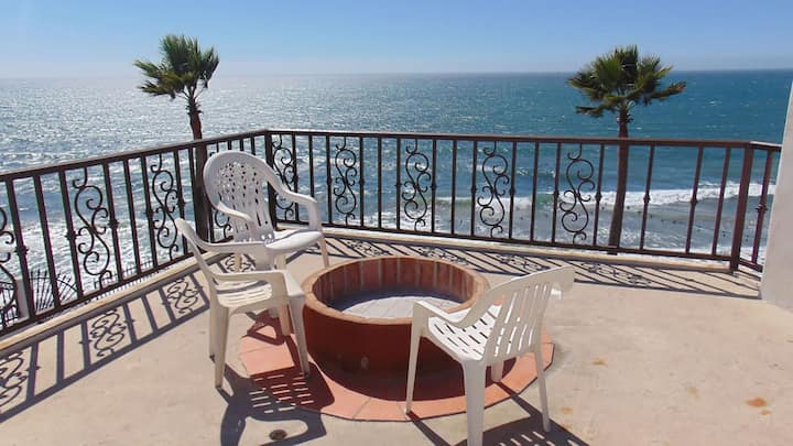 Mar Verde penthouse - ocean, pool, jacuzzi, beach