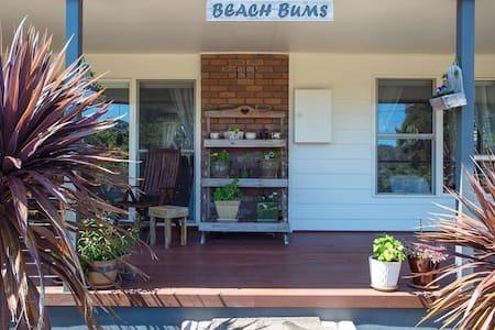 Rye Back Beach Retreat (Beach Bums)