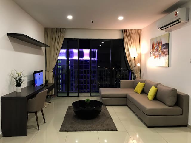 LUCAS HOME @ I-Soho I-city 3min walk to icity.