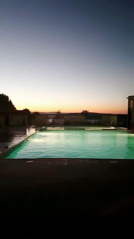 Plain pied / terrain / 3 piscines - Saint Georges d'orques  - Lägenhet