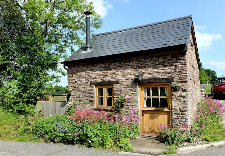 The Olchon Bothy - quaint and cosy