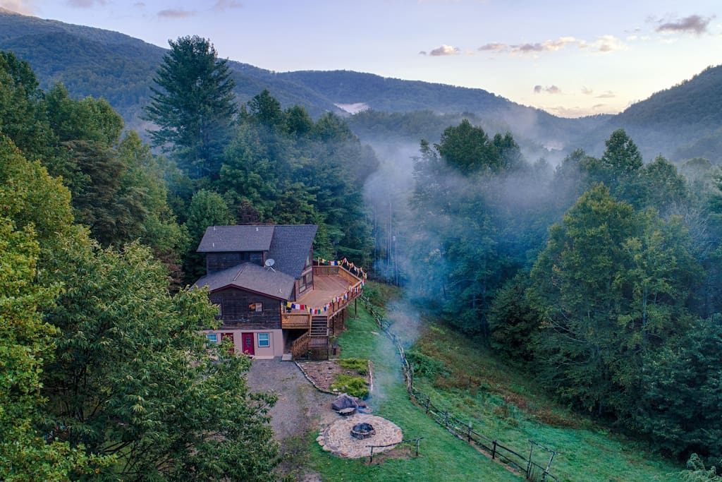 Wheel of bliss retreat asheville cabins for rent in for Mountain springs cabins asheville nc