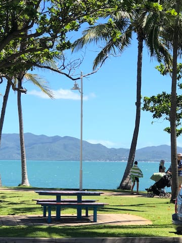 Townsville Shines - The Strand