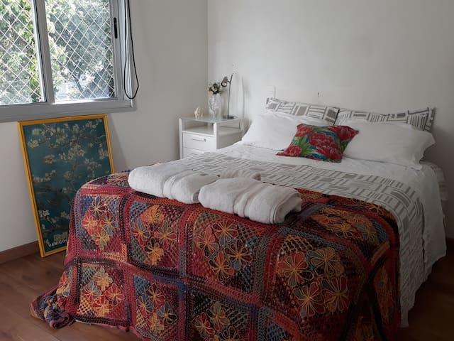 Suíte conforto em duplex/ Próximo Savassi e Centro