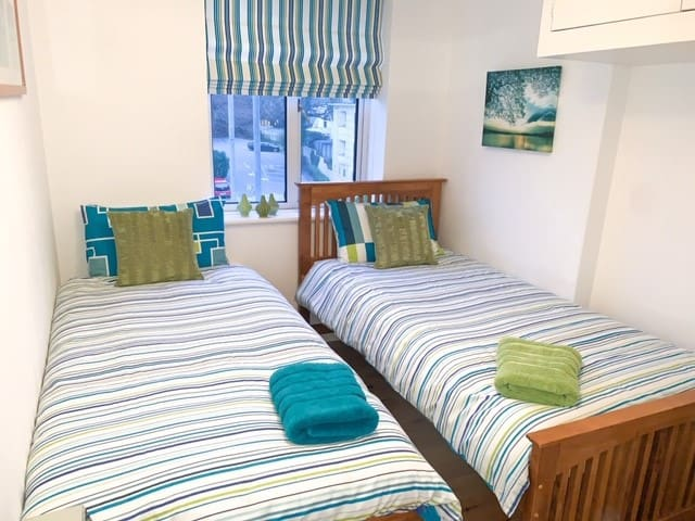 Single Room with both beds out