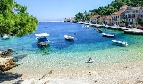 # Prigradica, sol, hav og slapp av #️