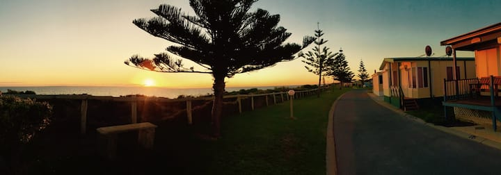 Affordable Seaside Escape an hour from Perth