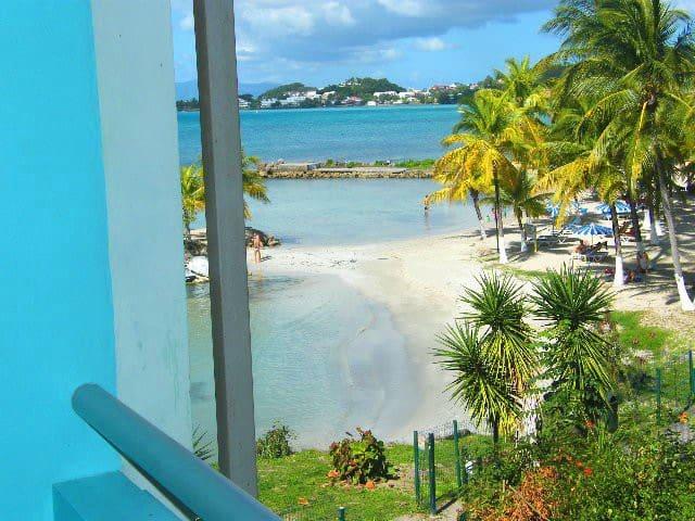 Studio vue mer, accès direct plage