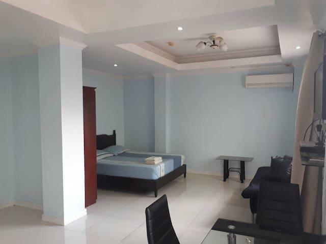 Orange Inn / Standard Deluxe Room / 2nd Floor