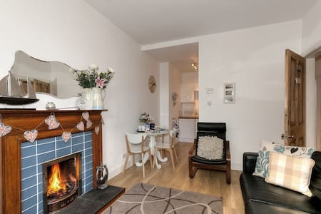 Coastal Apartment with real fire - Aberlady