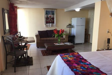 AFFORDABLE  &  CHARMING  CASITA - Mazatlán - Apartmen