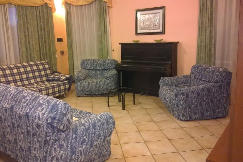 il salotto e soggiorno