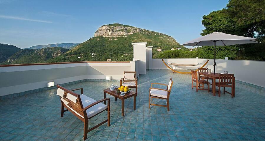 Villa Mike, lovely 4 bedrooms villa - piano di sorrento - Villa