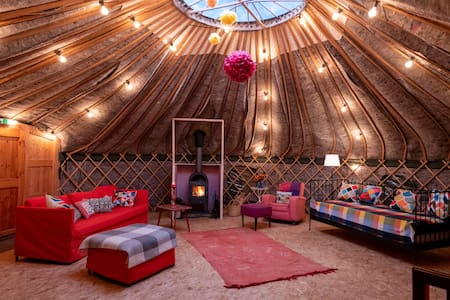 Giant Glamping Yurt: Private Spa & Nature Reserve
